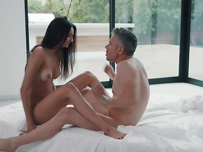 Secretary blows boss' penis and screams riding it close to pussy