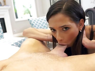 Svelte brunette Jaye Summers deserves some painful missionary anal