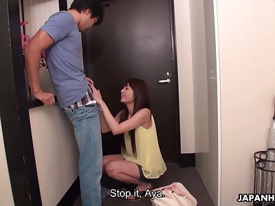 Cum-thirsty Japanese stepsister Aya Eikura gives a blowjob nearly hammer away doorway