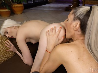 MILF tries soft scissoring coupled with cunnilingus with step daughter