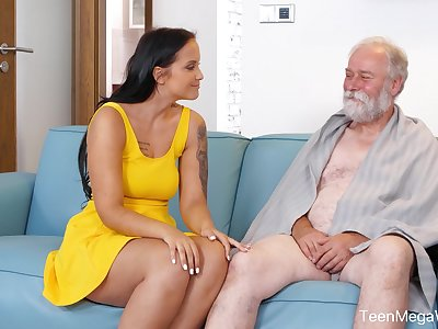 An old man is seduced by a famous curvy young woman and that babe loves sex